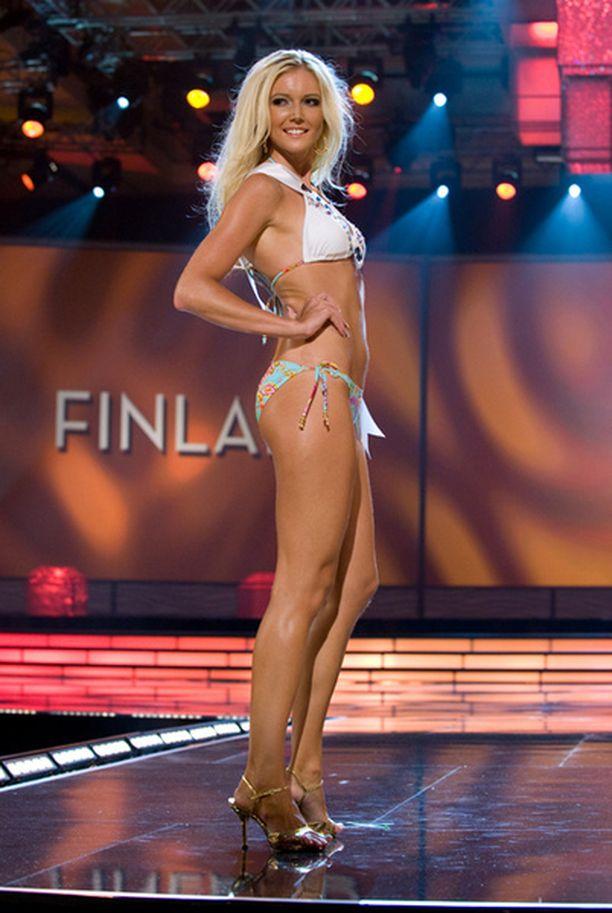 Essi on yhdessä Miss Ruotsin kanssa selvitellyt kisojen silikonipitoisuutta.