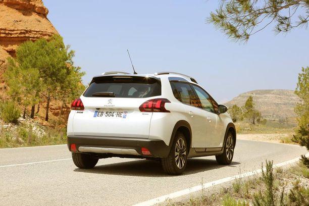 Allure-varustetasoon kuuluu SUV-henkiset muovilevikkeet helmoissa ja pyöränkaarissa.