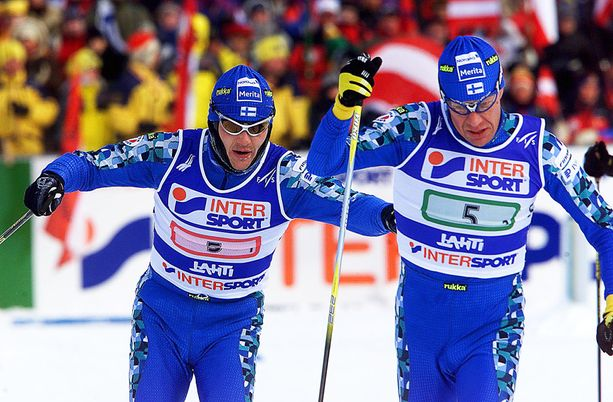 Muun muassa Janne Immonen (vasemmalla) ja Harri Kirvesniemi kärysivät Lahdessa dopingista. Sen sijaan lisähapen käyttäminen oli sallittua.