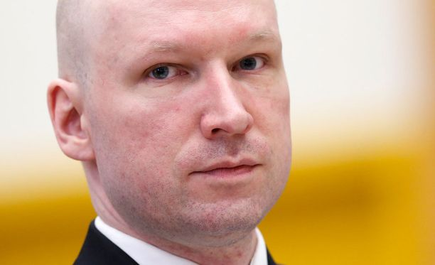 Norjan TV2 kertoo, että Breivik yritettiin ottaa huostaan äidiltään.