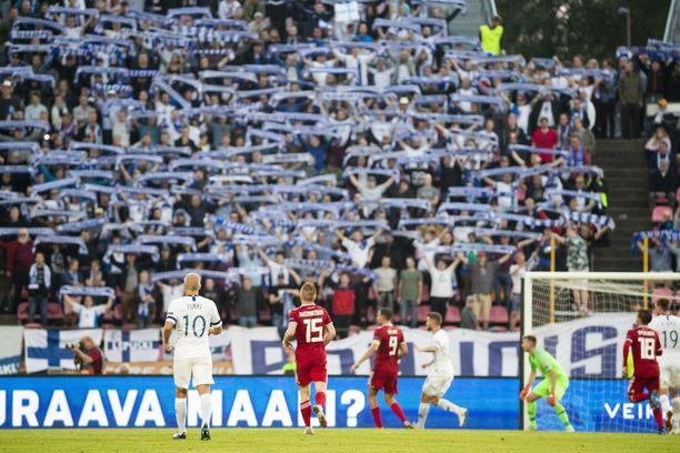 Suomi kamppailee Kansojen liigan lohkovoitosta.