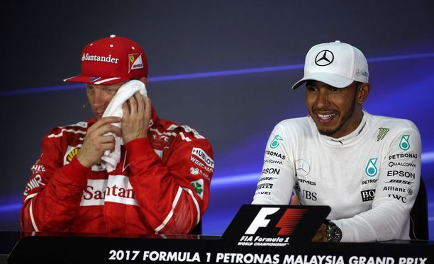 Kimi Räikkönen ja Lewis Hamilton lähtevät Malesian osakilpailuun eturivistä.
