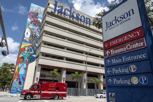 Jackson Memorial -sairaala Miamissa on ilmoittanut hidastavansa koronarokotuksia, koska rokotteita on ylimäärin ja niiden kysyntä on jo laskemaan päin.
