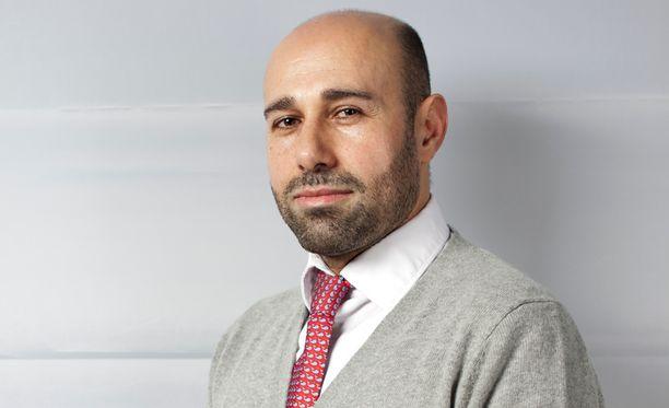 Ennen Turkki teki kaikkensa miellyttääkseen Yhdysvaltoja ja sen ajamaa NATO-politiikkaa, ja samalla on yrittänyt sotilasliiton kautta pönkittää omaa asemaansa ja ajaa omia etujaan Lähi-idässä, mikä sopi NATO:lle. Mutta hiljattain tapahtui täyskäännös, tutkija Alan Salehzadeh kirjoittaa.