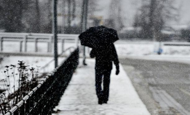 Ilmatieteen laitoksen mukaan lauantaina sateet tulevat lumena ainakin Pohjois-Karjalassa ja Kainuussa. Kuvituskuva