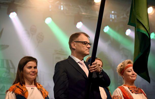 Juha Sipilä keskustan puoluekokouksessa perjantaina. Puheessaan Sipilä käsitteli odotetusti sote- ja maakuntauudistusta.