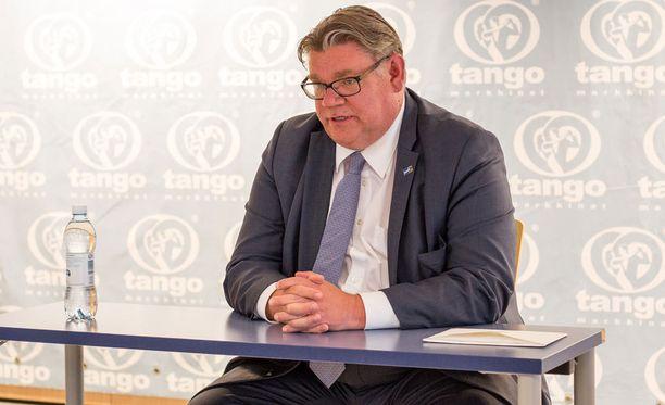 Timo Soini viihtyy parhaillaan Tangomarkkinoilla.