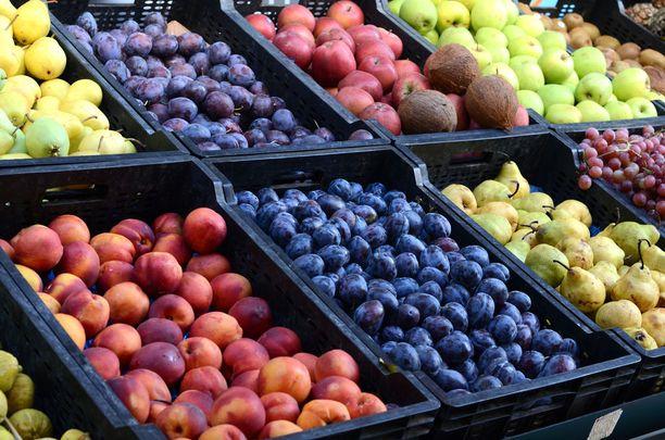 Maria Boreliuksen kirjan mukaan joka päivä kannattaisi syödä kaikkia eri värejä kasvisten ja vihannesten muodossa.