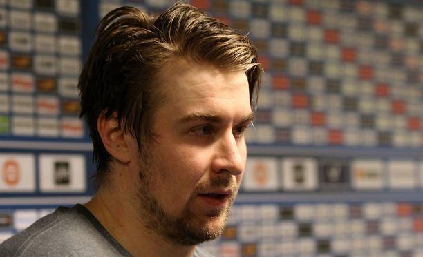 Pekka Jormakka otti hyvällä Eero Markkasen kuittailun.
