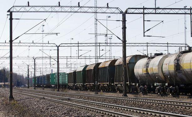 Vaihdemiestä syytetään junaliikennejuopumuksesta Oulussa. Kuvituskuva ei liity tapaukseen.