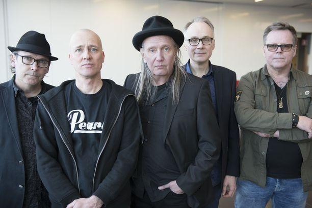 Dingon kultavuosien kokoonpano palaa yli 30 vuotta hajoamisensa jälkeen: Pepe, Quuppa, Jonttu, Pete ja Nipa Neumann.