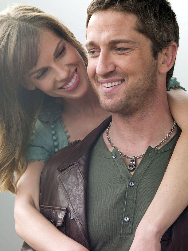 Vuoden 2007 elokuvassa tutustuttiin Hollyn ja Gerryn rakkaustarinaan, joka eli Gerryn kuoleman jälkeen kirjeissä.