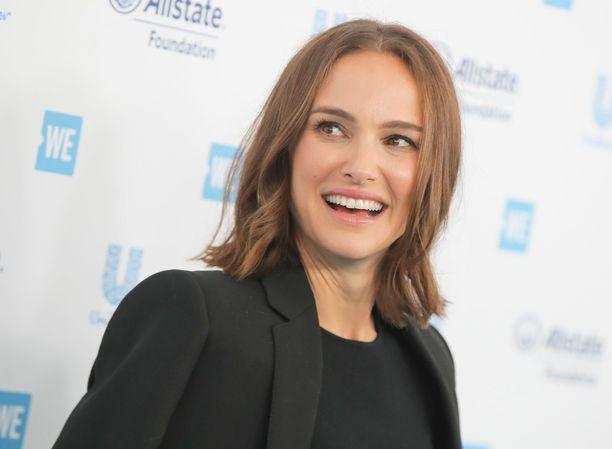 Natalie Portman sai useita palkintoja roolistaan Black Swan -elokuvassa, joka julkaistiin vuonna 2011.