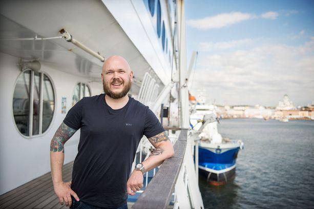 Matti Jämsén vastaa Silja Linen ravintoloista.