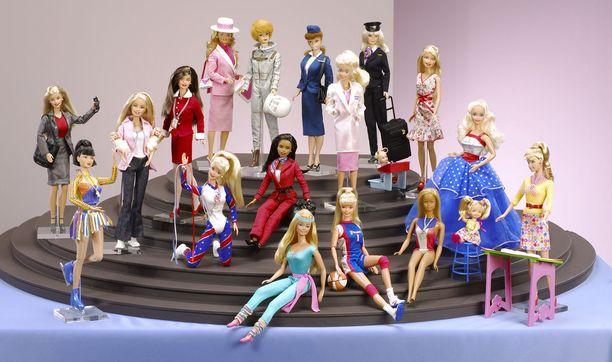 Harvan naisen urapolku on ollut yhtä monipuolinen kuin Barbiella.