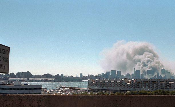 11.9.2001. Ennennäkemätön terrori-isku tuhoaa WTC:n kaksoistornit New Yorkissa.
