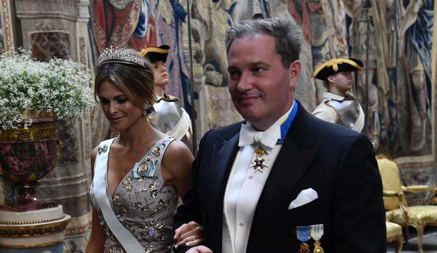 Prinsessa Madeleine ja puolisonsa Chris O'Neill kuvattuina kesällä 2019.