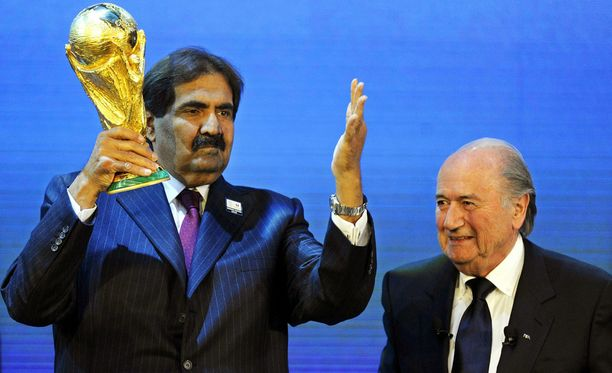 Qatarin emiiri Hamad ibn Khalifa al-Thani ja FIFA:n presidentti Sepp Blatter.