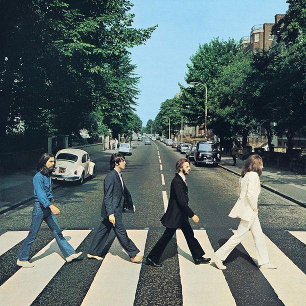 Kuuluisassa kuvassa tepastelevat Beatlesin John Lennon, Paul McCartney, George Harrison ja Ringo Starr.