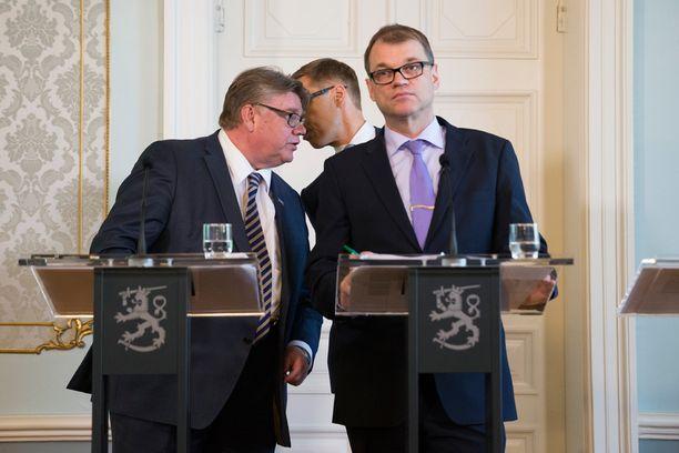 Juha Sipilän johtama hallitus on helisemässä Kreikka-tukien kanssa. Hyviä vaihtoehtoja on vähän jos ollenkaan.
