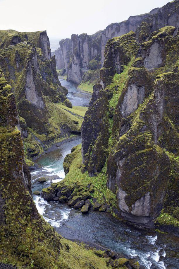 Fjaðrárgljúfurin kanjoni on upea nähtävyys. Se aukeaa yleisölle jälleen 1. kesäkuuta.