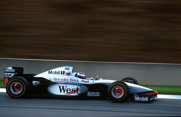 McLarenin hehkuvat jarrut kiinnittivät formulaväen katseet kaudella 1997.