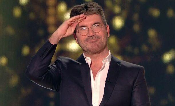 Simon Cowell on mielipiteitä jakava X Factor -tuomari.