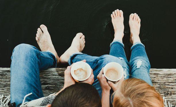 Parisuhteen hoitaminen voi olla näinkin helppoa: on vain hetki hyvää yhteistä aikaa.