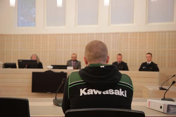 Syytetyn asianajajan mukaan tapausta tulisi käsitellä tapaturmana. Syytetty ei halunnut tulla kuulluksi oikeudessa.