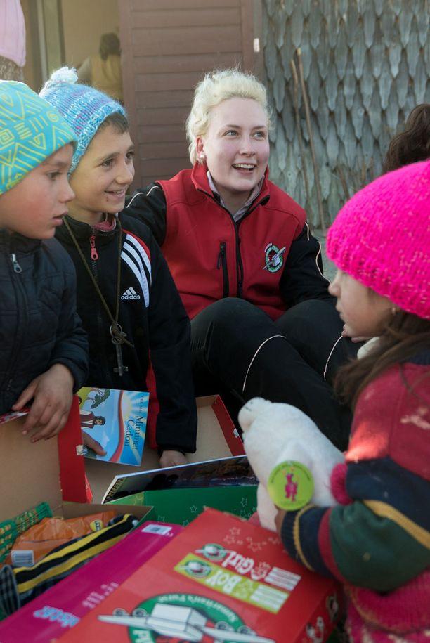Jippu kohtasi Romanian lapset.
