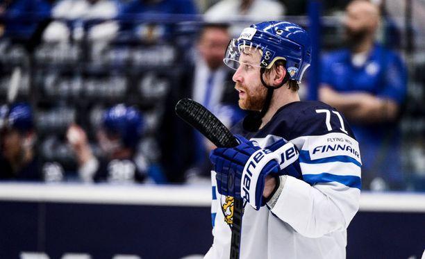 Leo Komarov on keskiviikon puhutuin Leijonien pelaaja.