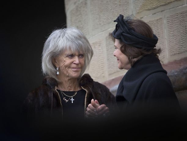 Prinsessa Birgitta ei saavu onnittelemaan kuningatar Silviaa. Kuva parin vuoden takaisesta tapaamisesta.