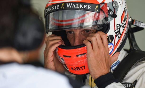 Missä tallissa Jenson Button ajoi F1-mestariksi kuusi vuotta sitten?