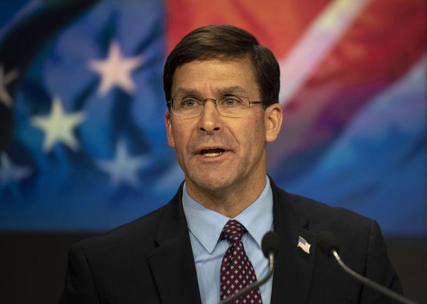 Puolustusministeri Mark Esperin mukaan Syyriaan jää amerikkalaisia sotilaita.