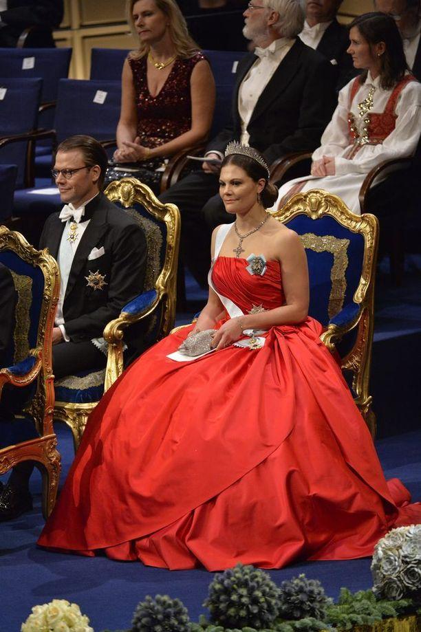 Kruununprinsessa Viktorialla oli muhkea iltapuku vuonna 2014.