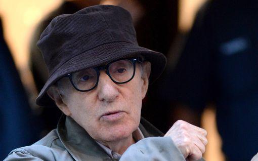 Woody Allenin kirjaa ei julkaistakaan