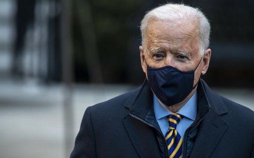 Tällaisia virheellisiä väitteitä Biden on esittänyt presidenttinä: koronarokotteet, paperittomat, Kiina...