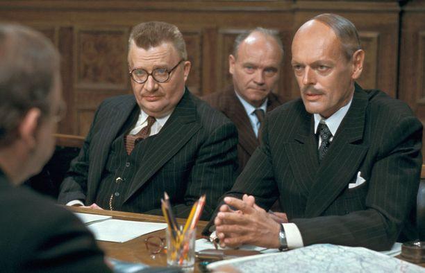 Sodan ja rauhan miehet -sarjassa nähdään muun muassa Keijo Komppa ja Leif Wager.