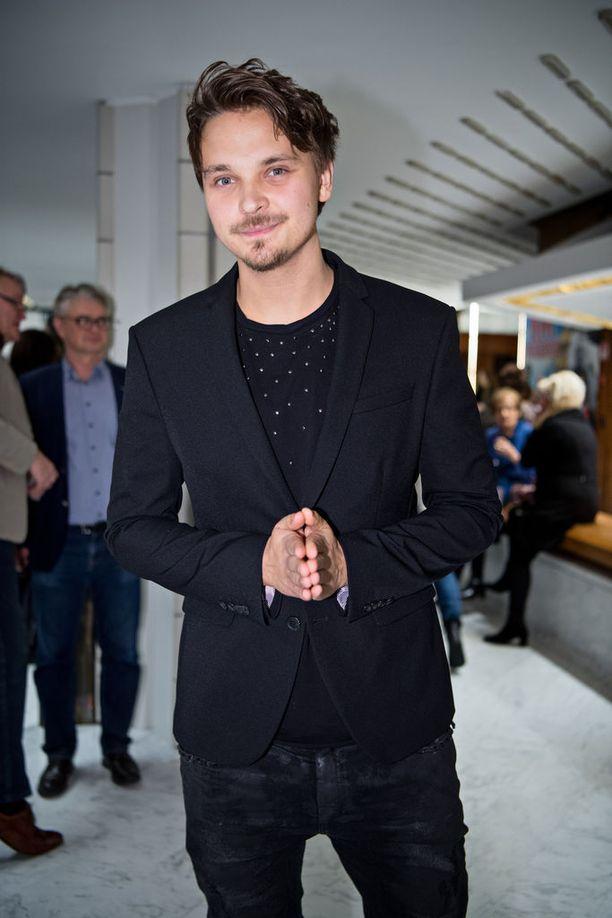 Roope Salminen Helsingin kaupunginteatterin Rakastunut Shakespeare näytelmän ensi-illassa tammikuussa.