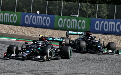 """Mercedes harkitsi tallimääräystä ja Hamiltonin nostamista Bottaksen ohi – """"Siitä tosiaan keskusteltiin"""""""