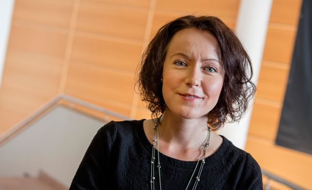 Turun kirjamessujen ohjelmapäällikkö Jenni Haukio odottaa messujen ohjelmanumeroista etenkin Sofi Oksasen ja Laila Hirvisaaren yhteistä keskustelua.