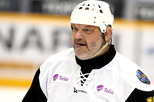 Esa Tikkanen pelasi elokuussa Raumalla Liiga Alumnin hyväntekeväisyysottelussa.