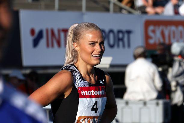 Lotta Harala joutui keskeyttämään juoksunsa Tampereella.