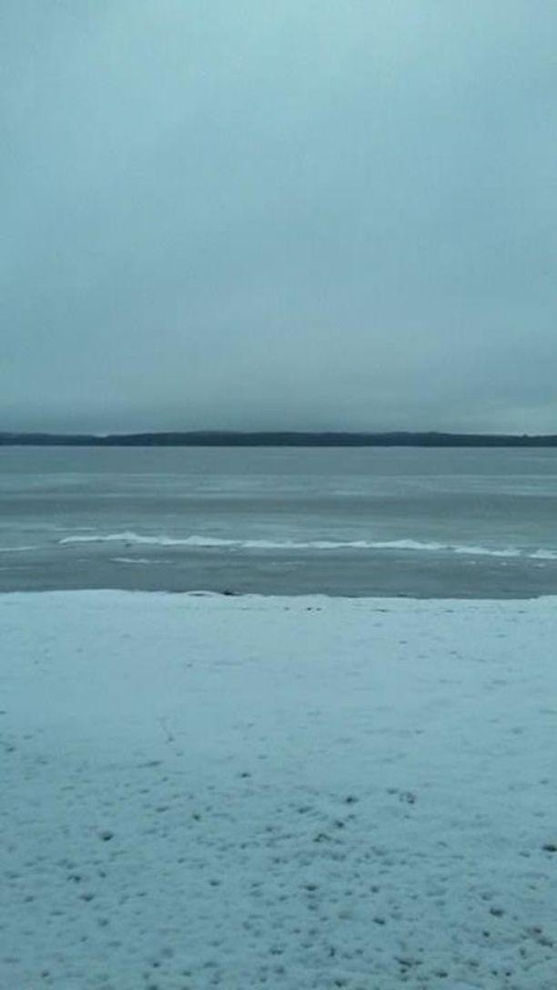 Lappalanjärven jäälle ei enää maaliskuussa kannata mennä.