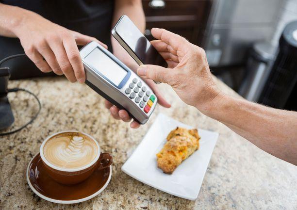 Mobiilimaksamisen uskotaan lisääntyvän lähitulevaisuudessa.