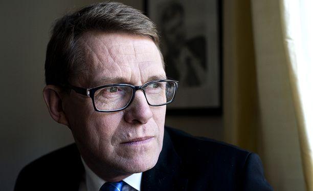 Viime vaalikaudella eduskunnan ulkoasiainvaliokunnan puheenjohtajana toiminut, ensi syksynä pitkälle sairauslomalle joutuva Matti Vanhanen (kesk) jättää tulevien valiokuntapaikkojensa kohtalon puoluekollegoidensa harkittavaksi.