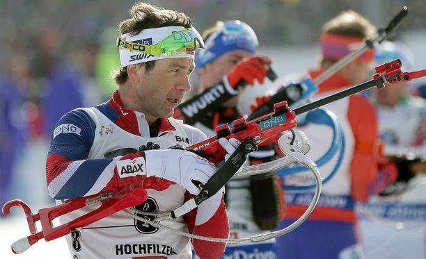 Ole Einar Björndalen voitti sunnuntaina uransa 26. henkilökohtaisen MM-mitalin.