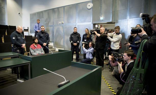 Keskiviikkona on Turun puukotusoikeudenkäynnin kolmas päivä, ja ensimmäistä kertaa ääneen pääsevät viime elokuisen iskun uhrit.