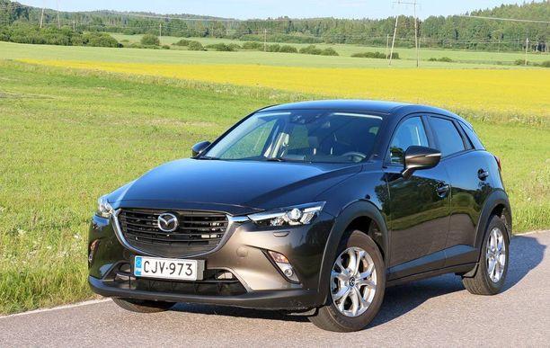 Vahva keula ja liukkaan linjat ovat Mazdan nykyisen desing-tyylin tavaramerkkejä.