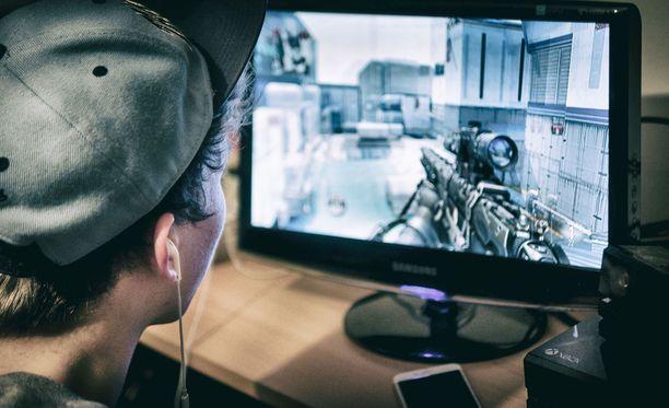 Puolustusvoimat hyväksyy e-urheilun rheilukoulun lajiksi.